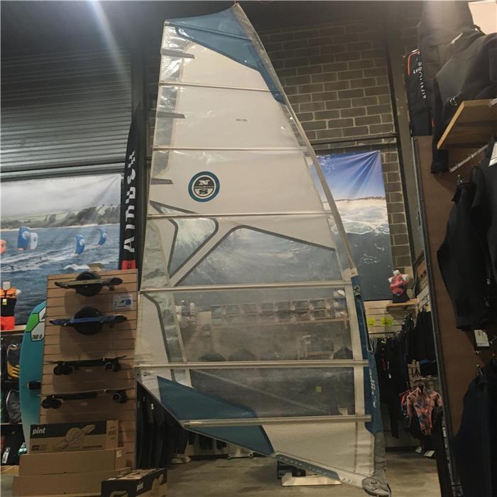 Voiles Windsurf Occasion Bon Etat Planche A Voile Hotmer