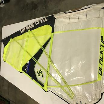 Voile Windsurf BLACKTIP SIMMER 2017 4.2m² Occasion C