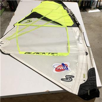 Voile Windsurf BLACKTIP SIMMER 2017 4.7m² Occasion C