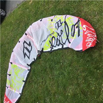 Aile Kitesurf NORTH Rebel 2007 9m² manque 3 lattes Occasion D